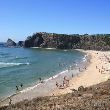 Zambujeira-do-Mar-Odeceixe-Costa-Vicentina-Odemira-Surf-Familienurlaub-Strans-Wellen