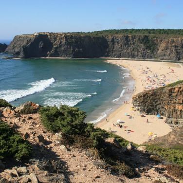 Zambujeira-do-Mar-Odeceixe-Costa-Vicentina-Odemira-Surf-Kidner-Strand-Familienurlaub
