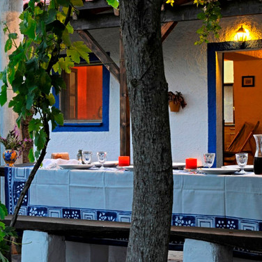 Monte-da-Choça-cozy-diner-vacation-food-portugal.JPG