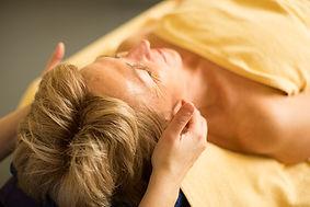 Gesichtsmassage-Kopfmassage-Wellness-Entspannung.jpg