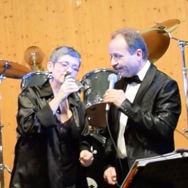Fabienne et Dédé au chant en duo