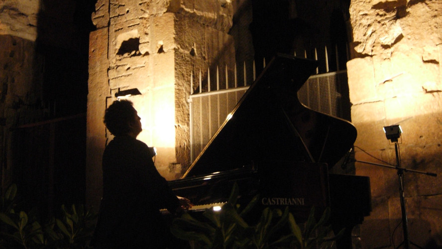 Rom: Recital in front of Colosseum