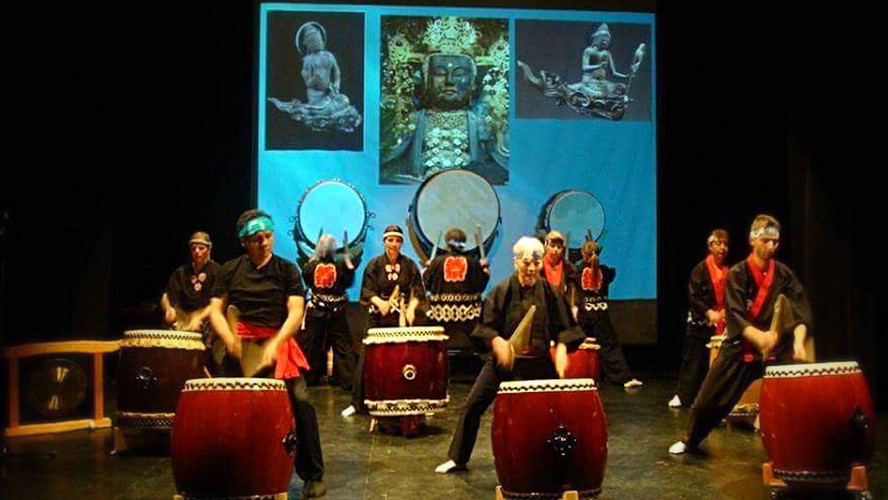 Japanese Drums (Taiko) in performance
