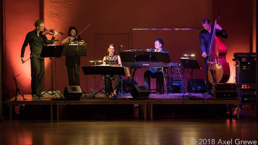 Tango Ensemble Baldosa Floja (performance).jpg