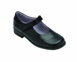 black-shoes-girls