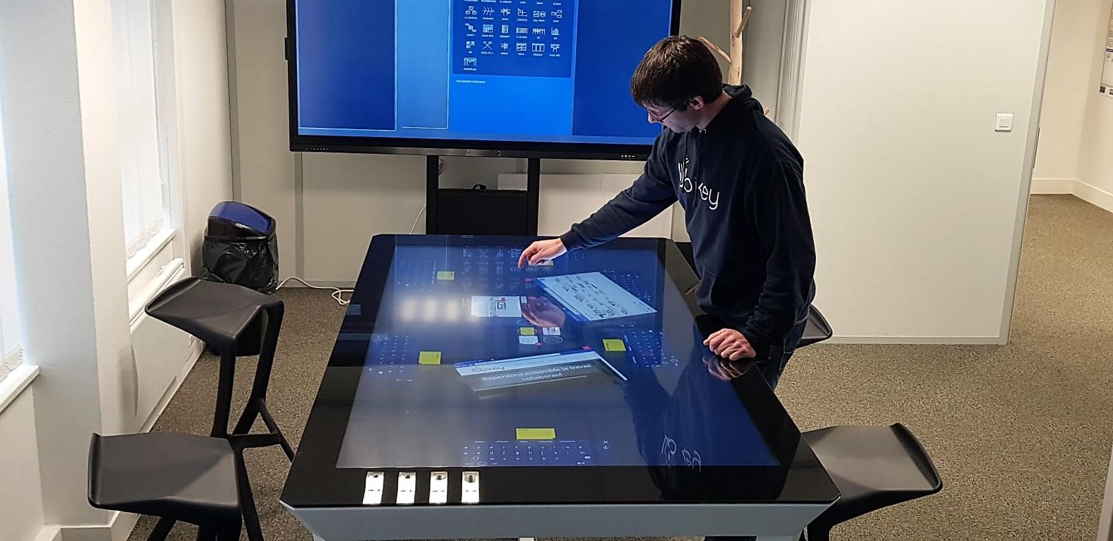 Airbus - Table Collaborative Tiffany