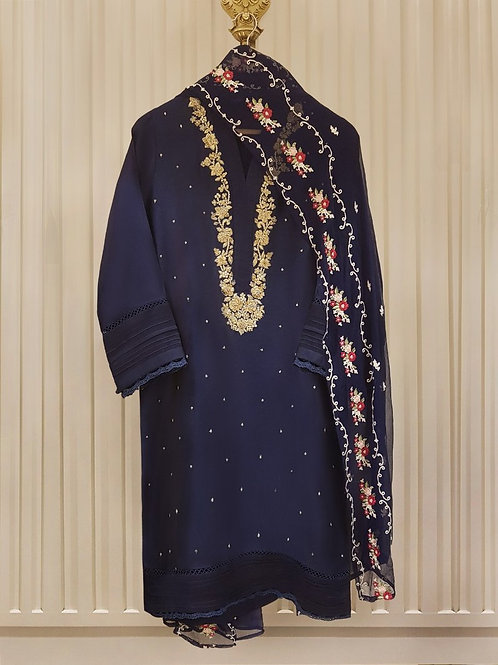 AGHA NOOR Embroidered shirt with chiffon dupatta