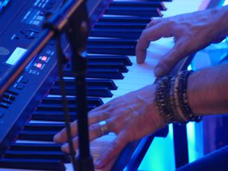 Live-Piano