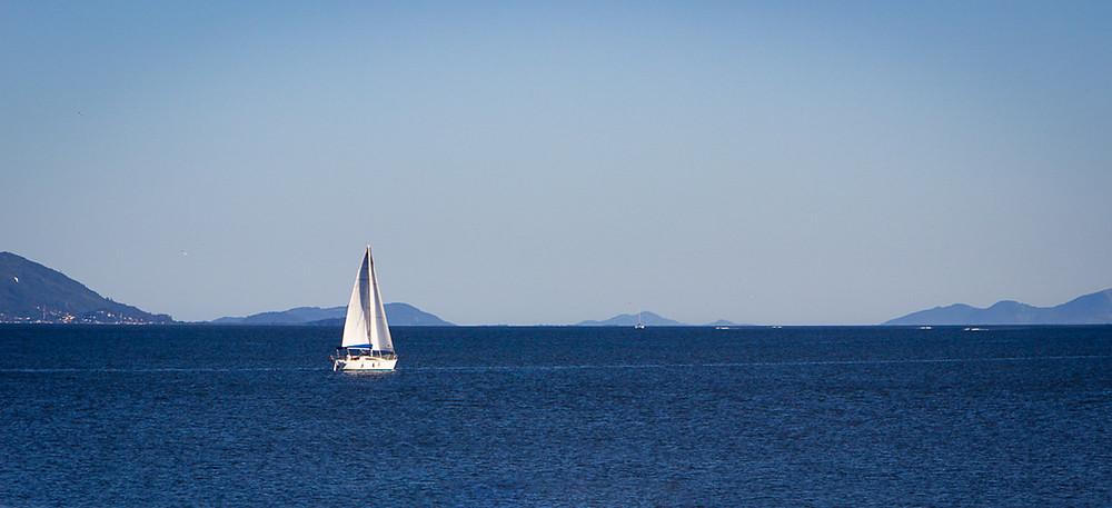 veleiro navegando, veleiro, mar