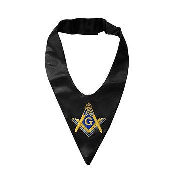 Ascot tie with emblem
