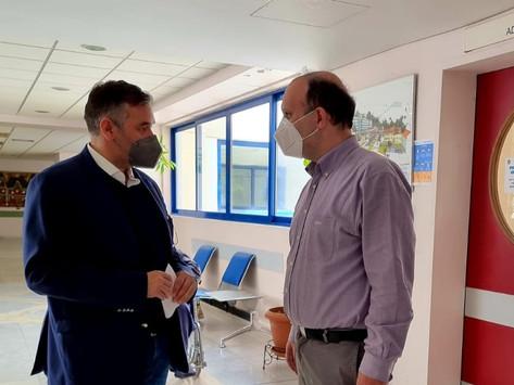 Επίσκεψη Θέμη Χειμάρα στο Γενικό Νοσοκομείο Λαμίας