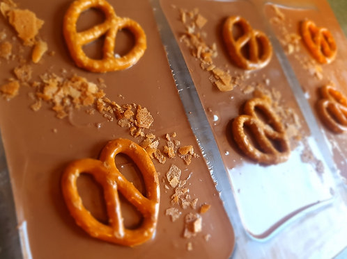 Hazelnut spread & pretzel