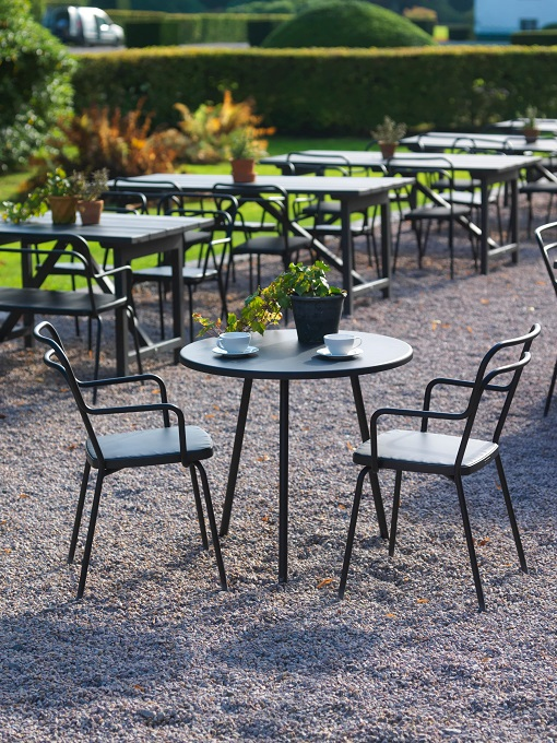Chaise design Kaffe extérieur bar de BLA STATION outdoor