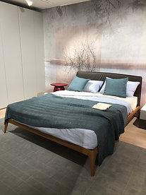 Lit SIRI en plaqué bois chêne, tête de lit cuir, couchage 160x200 - NOVAMOBILI