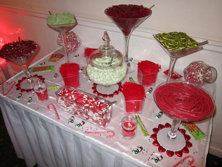 green red sweet table
