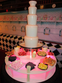 wedding-milk-chocolate-fountain.jpg