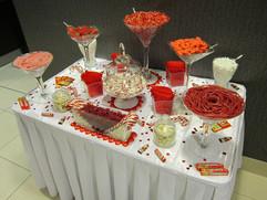 white-red-sweet-table.JPG