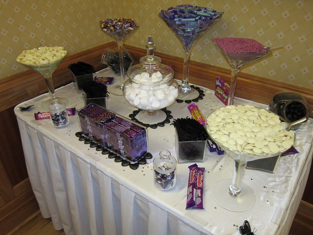 purple black sweet table