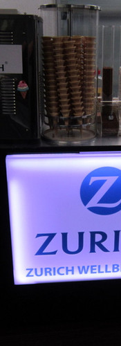 mobile-branded-ice-cream-machine-hire.jp