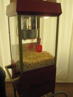 renting-popcorn-at-wedding.jpg