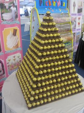 gold-chocolate-pyramid.JPG
