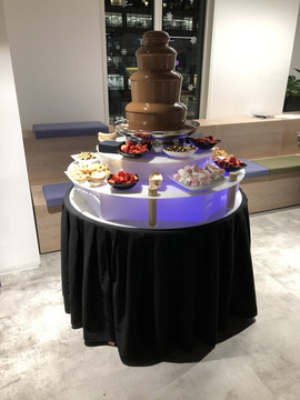 small-chocolate-fountain-hire-london.jpg