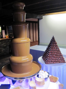 chocolate-fountain-hire-with-staff.jpg