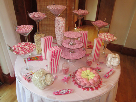 pink sweet table