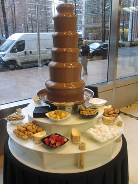 chocolate-fountain-hire-canary-wharf.jpg