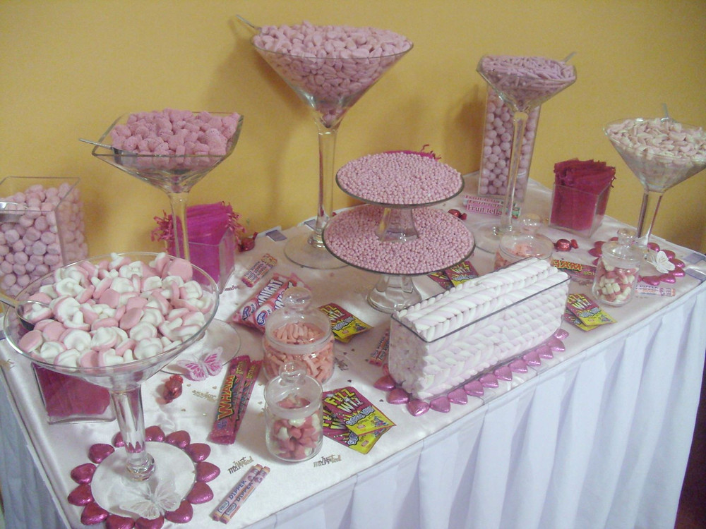 pink white sweet table
