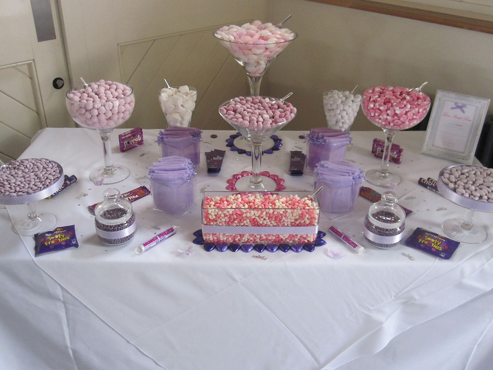 purple pink sweet table
