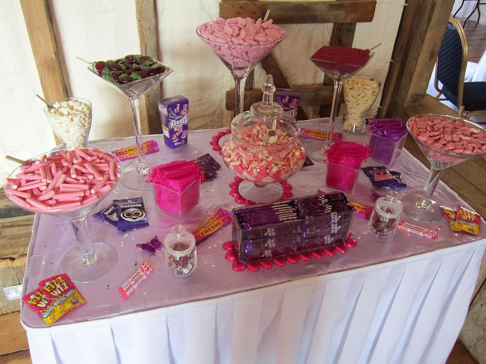 purple fuchsia sweet table