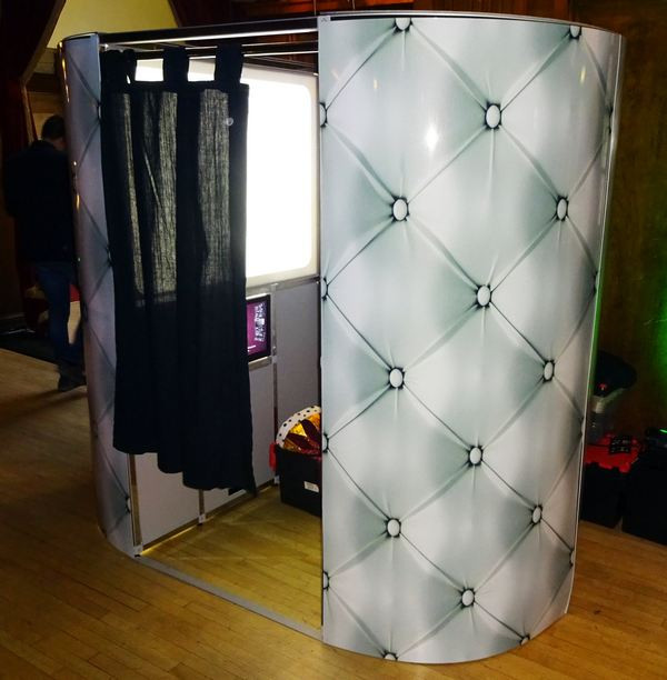 photo booth hire - white