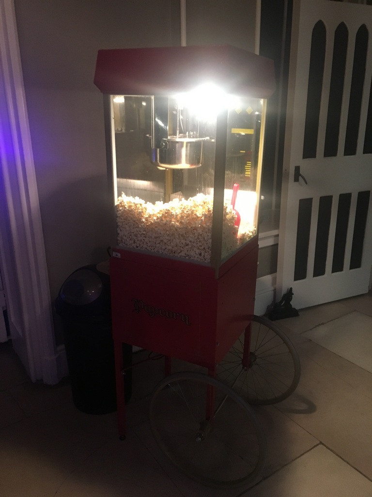 traditional popcorn stand