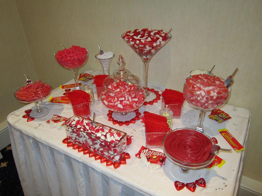 red sweets table