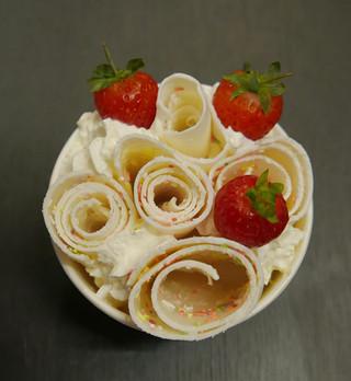 thai-ice-cream-rolls-stand-hire-kent.jpg