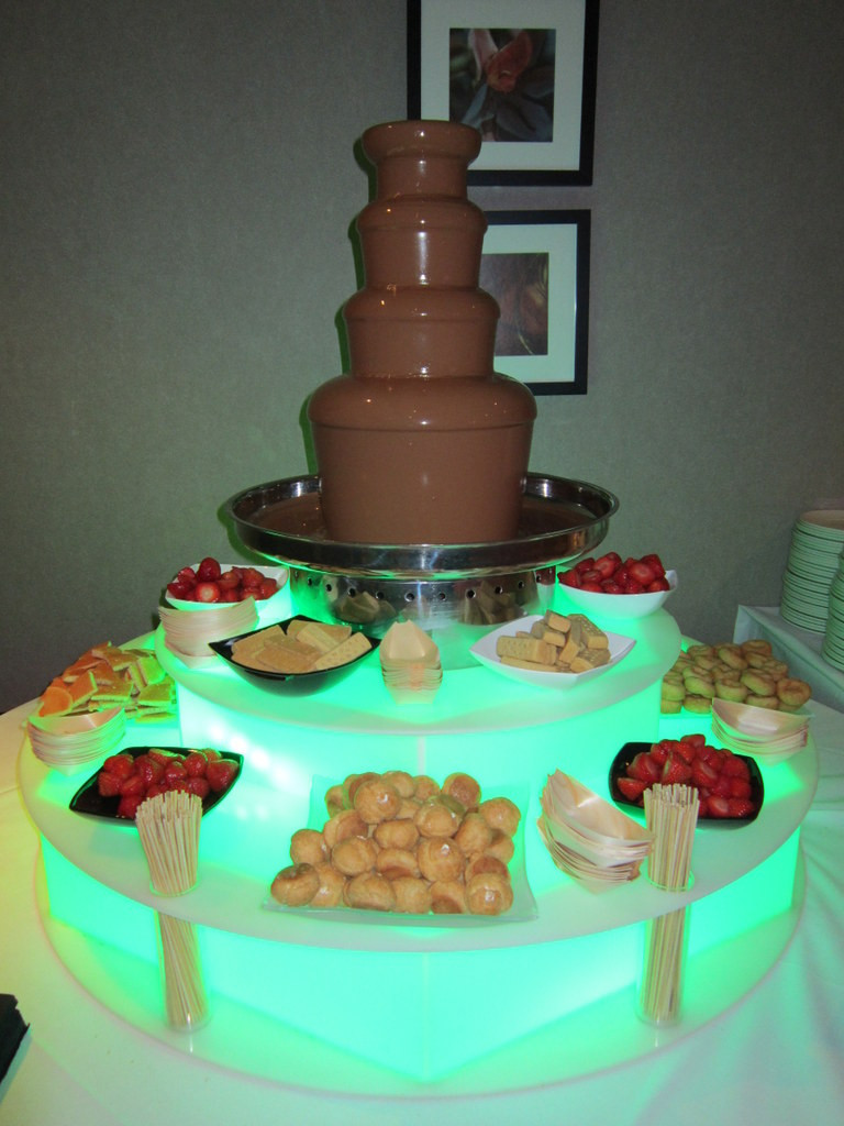 chocolate fountain photo