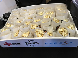 popcorn-tray-with-bags.JPG
