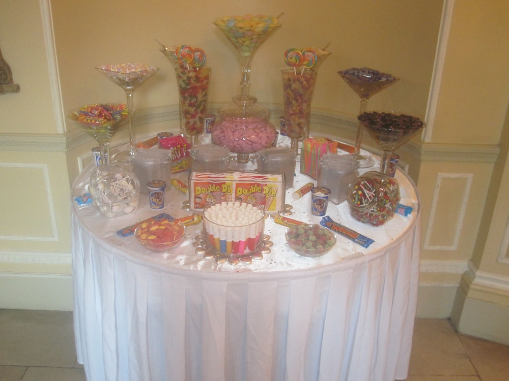 retro sweet tables