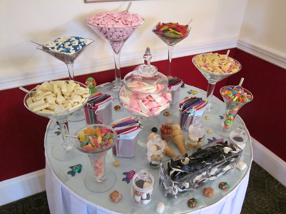 seaside sweets table