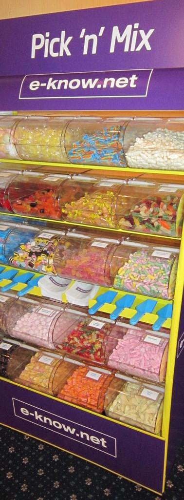 logo-on-sweets-holder.JPG