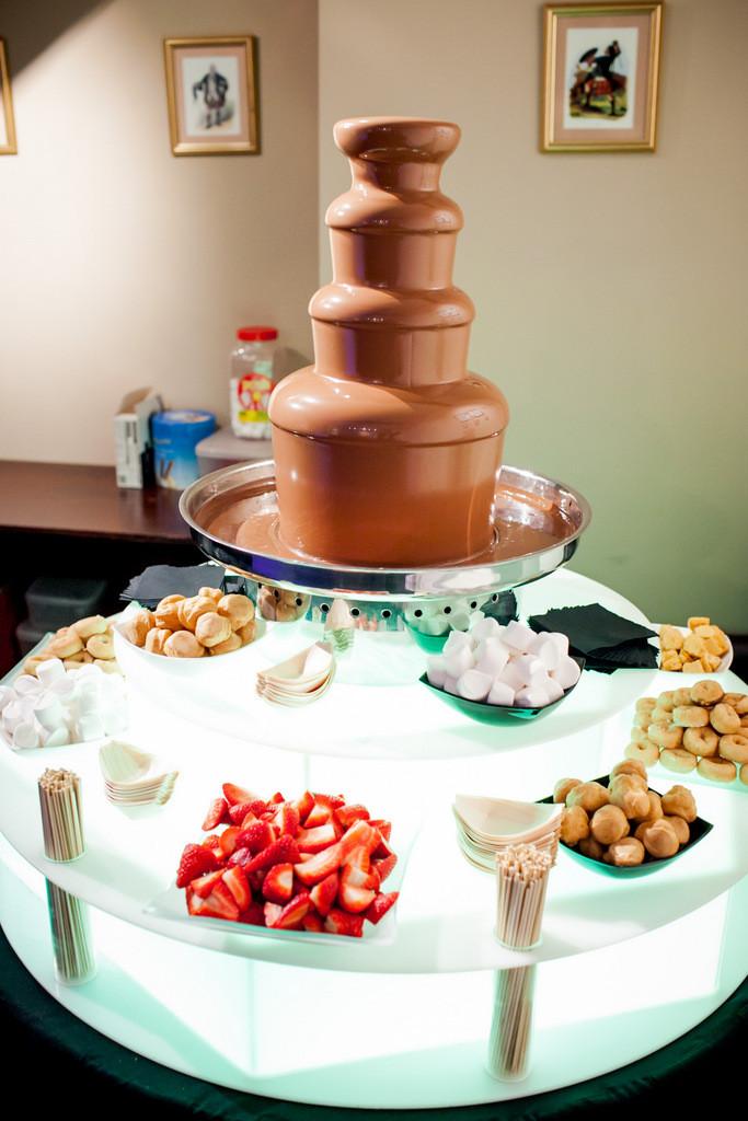 chocolate fountain hire weddings