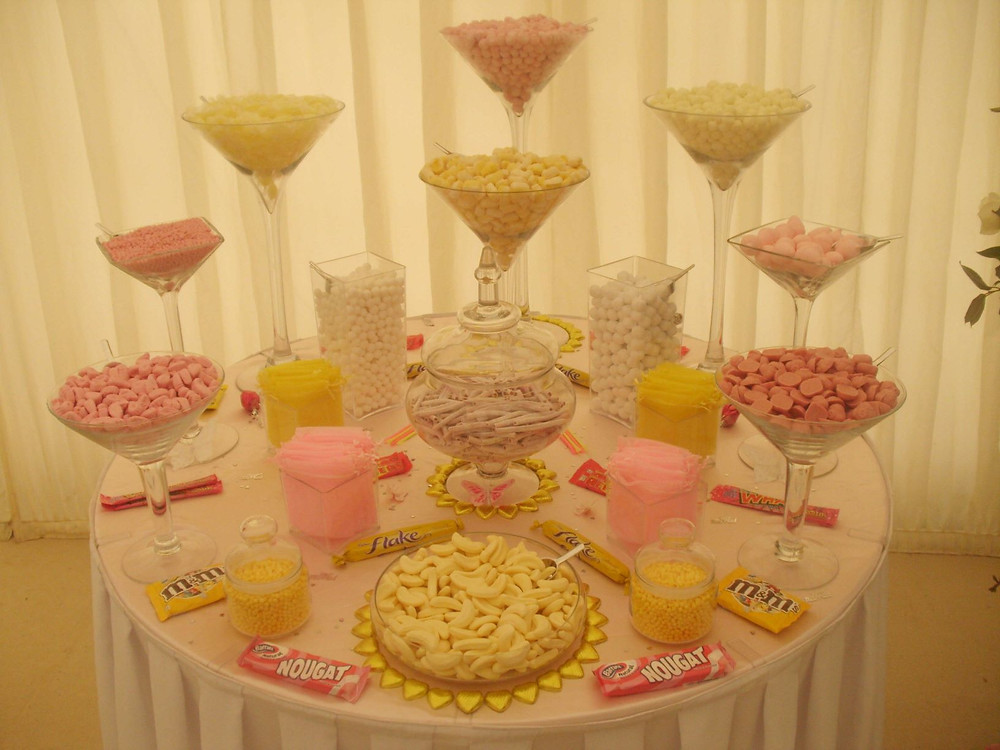 pink yellow sweet table