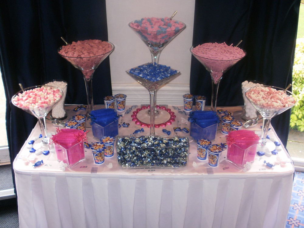 navy hot pink sweet table