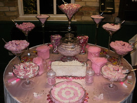 pink-sweet-table-cooling-castle.JPG