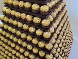 gold-chocolate-pyramid-kent-hire.JPG