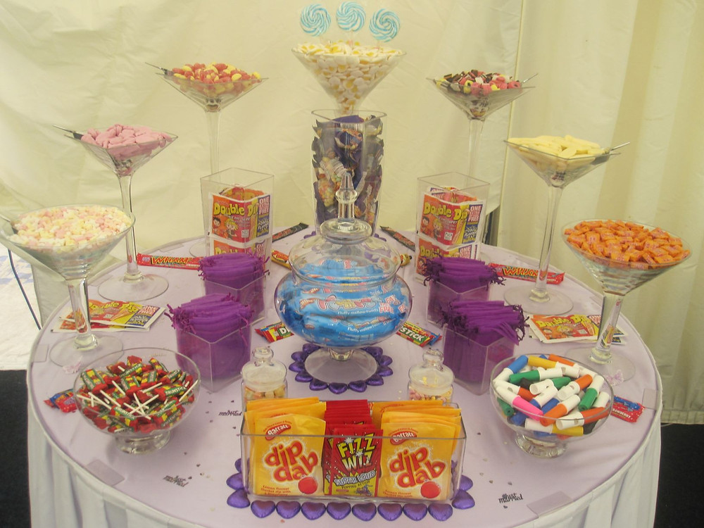 retro sweet table wedding