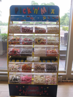 pick-n-mix-stand-weddings.jpg