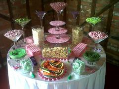 green-pink-sweet-table.jpg