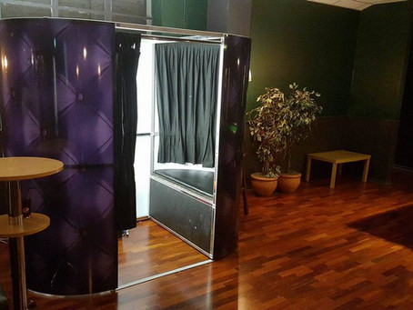 photo booth hire - black